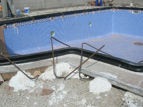 Moldes para coronamiento de piscinas decomol bdn s l for Bordillo piscina